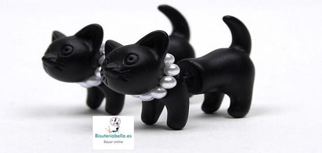 Par de  Pendientes negros perros con perlitas Cute