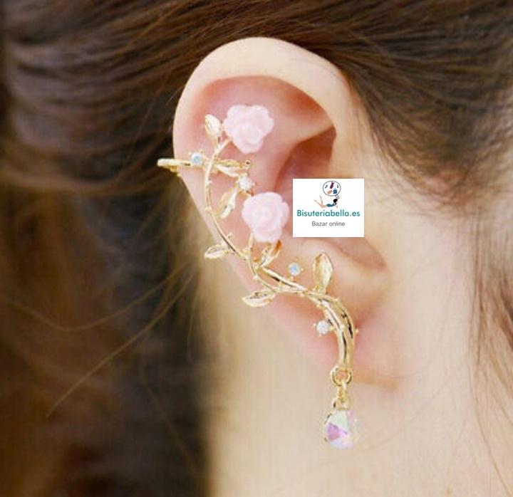 Par de pendientes enroscados a la oreja rosas enredadas