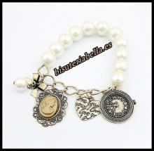 Pulsera ajustable bronce con perlas,camafeo dama,corazon,lacito y reloj vintage