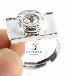 Precioso anillo en forma de camara  talla 5 ajustable a elegir