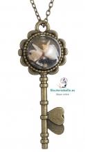 Colgante bronce llave conchas y estrella mar dentro