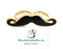 Anillo doble en linea en forma de bigotes negros y dorado