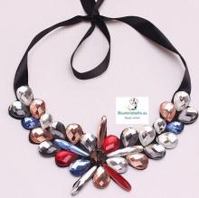 Gargantilla estilo floral con abalorios brillantes cristalitos colores