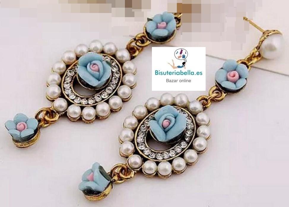 Pendientes bronce elegantes,rosas azules y perlas