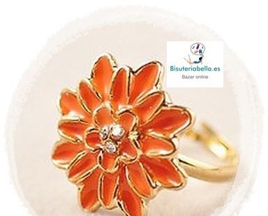 Anillo dorado flor e elegir tono con brillantitos Talla 5