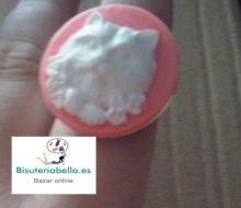 Anillo Camafeo Rosa y Blanco Cara Perro Plateado