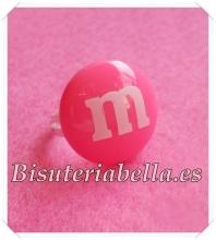 Anillo M&M chocolate rosa fuerte redondo(forma lacasitos) Talla 6 Ajustable