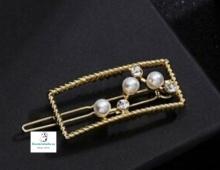 Prendedor rectangular dorado perlas