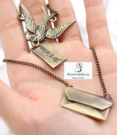 Colgante bronce largo pajarito,sobre y carta Je t'aime