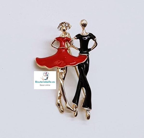 Broche dorado pareja bailarines mediano