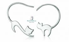 Pendientes plateados silueta gatos diferentes