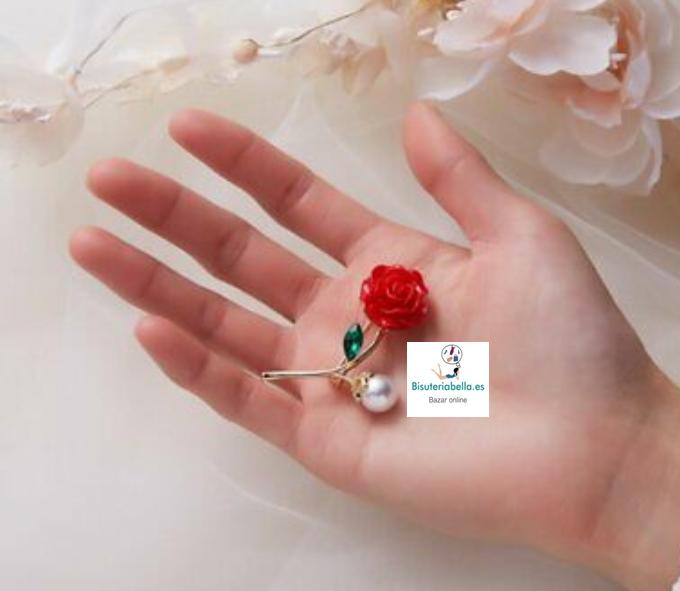 Broche Tallo en forma de Rosa roja y perla