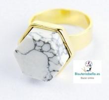 Anillo Chapado Oro Hexagonal Marmol Blanco T.6