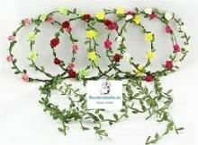 Corona ramas verdes y rosas con detalles para bodas