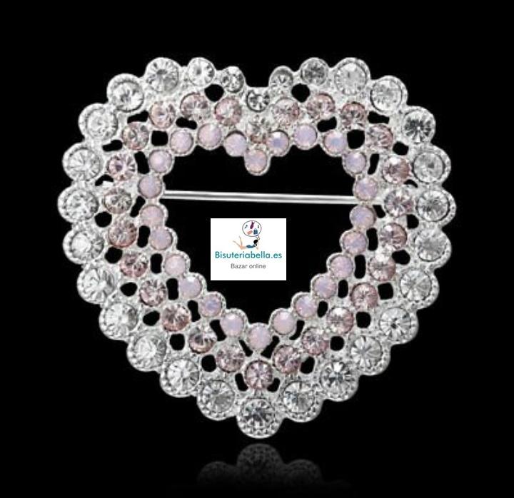 Broche plateado en forma corazón grande con detalles de luxe