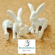 Par de pendientes blancos conejo Alicia