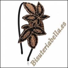 Diadema negra,fina ajustable tela y detalles florales marrones