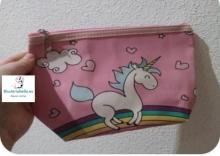 Nerceser Rosa Unicornio feliz con Arcoiris