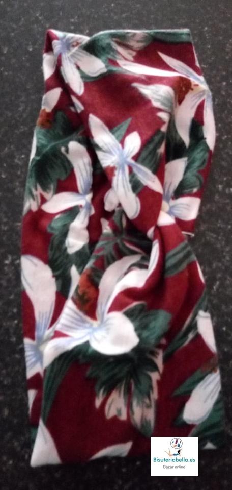 Diadema ajustable trenzada en el centro tacto suave, floral a elegir
